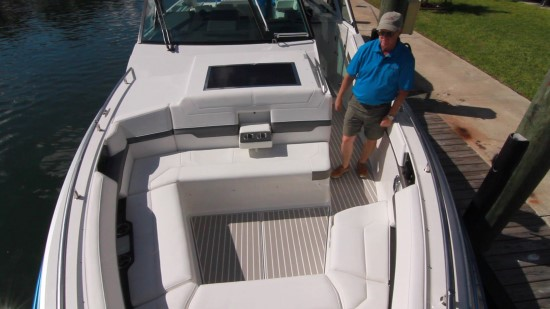 Formula 430 All Sport Crossover bow