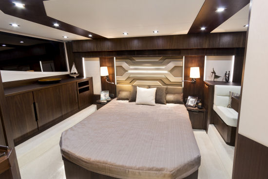 Galeon 500 Fly cabin