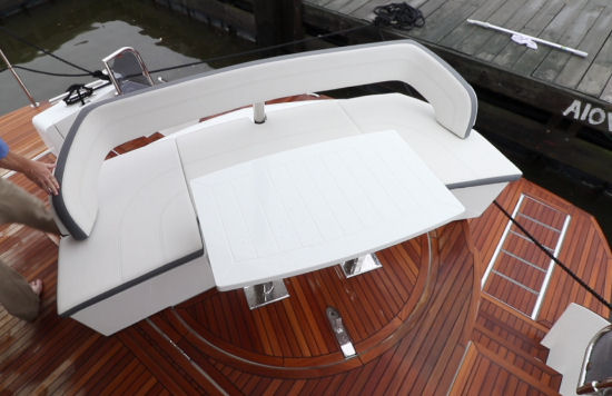 Galeon 500 Fly cockpit