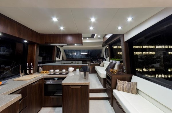 Galeon 500 Fly galley