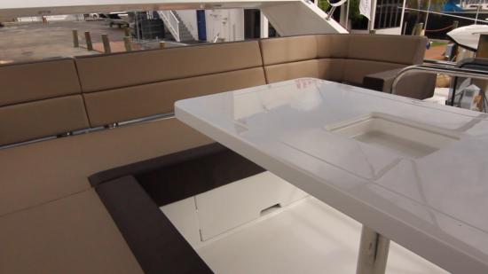 Galeon 420 Fly flybridge seat