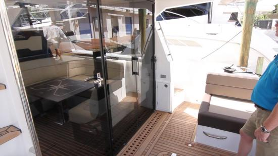 Galeon 420 Fly glass door