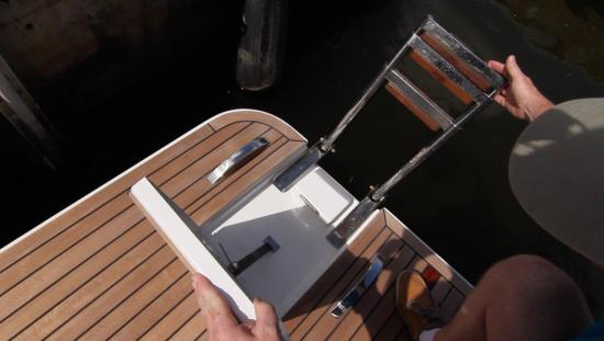 Galeon 420 Fly ladder