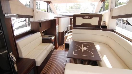 Galeon 420 Fly large windows