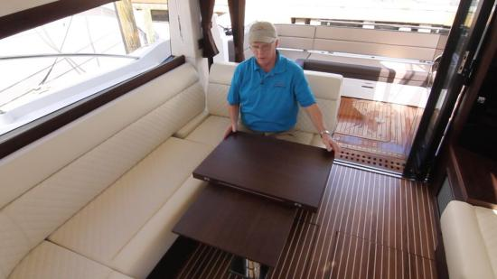 Galeon 420 Fly table