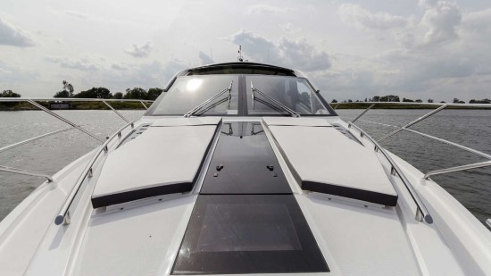 Galeon 560 Skydeck Twin Sun Pads