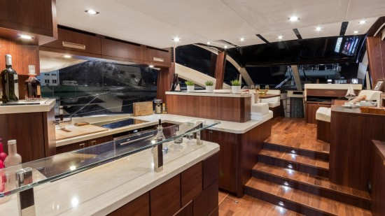 Galeon 560 Skydeck Galley and Salon
