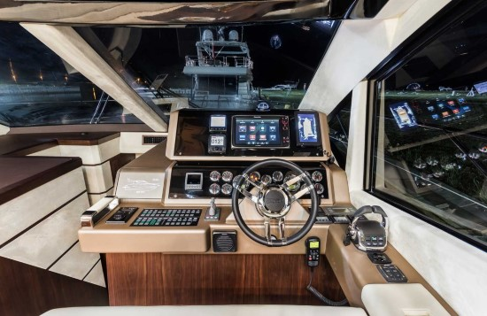 Galeon 560 Skydeck Lower Helm View