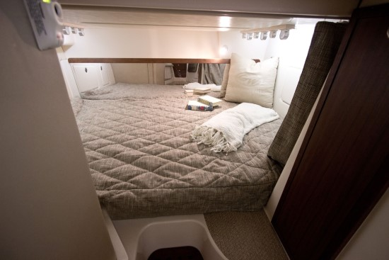 Grady-White Express 370 berth
