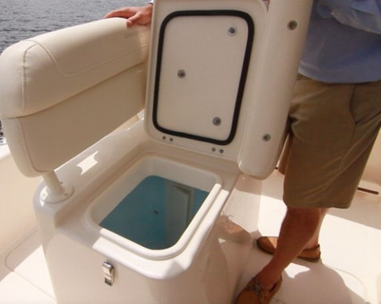 Grady-White Fisherman 216 lean bar