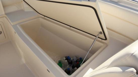 Grady-White Freedom 325 cooler
