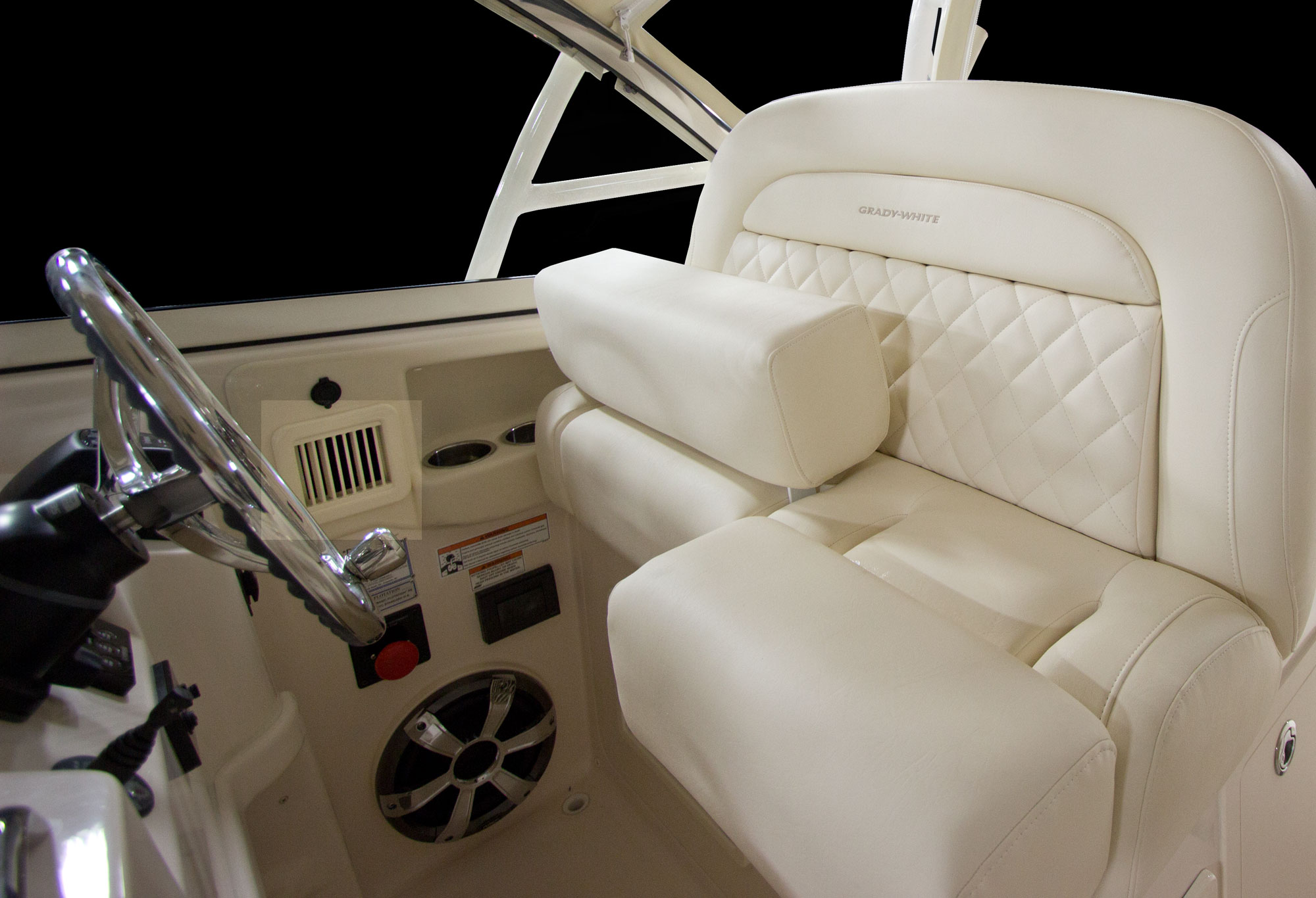 Grady-White Freedom 335 helm air conditioning