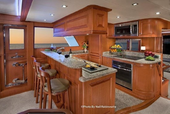 Hampton Yachts 658 Endurance LRC galley