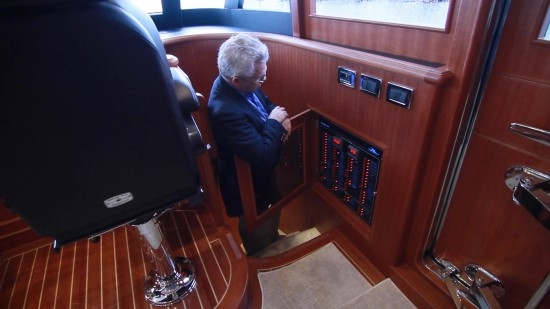 Hampton Yachts 658 Endurance LRC power panel