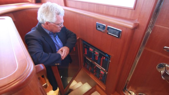 Hampton Yachts Endurance 720 Skylounge LRC power panel