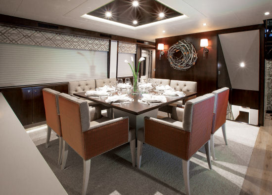 Hatteras 100 Raised Pilothouse dining area