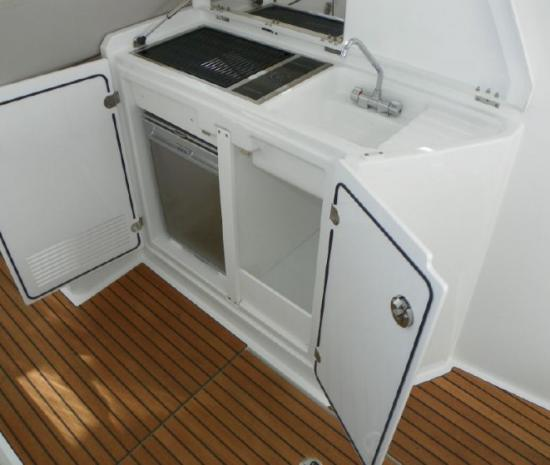 Jeanneau Leader 36 galley