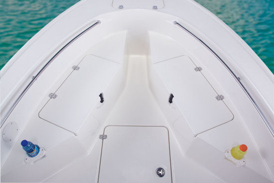 Mako 204 CC bow seats