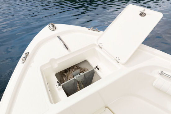 Mako 214 CC anchor locker