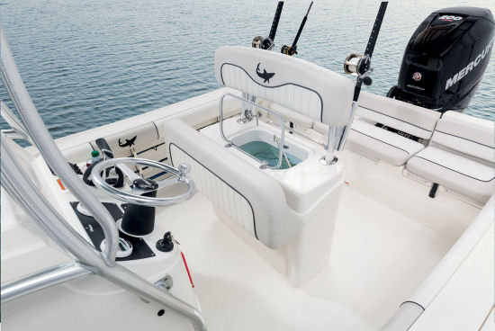 Mako 214 CC optional livewell