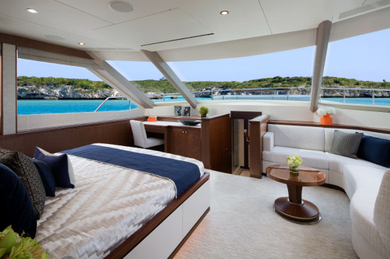 Ocean Alexander 100 Sky Motoryacht facing forward