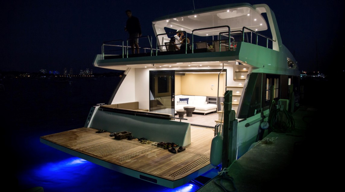 Overblue Delivers Superyacht Spaces in 48 Feet
