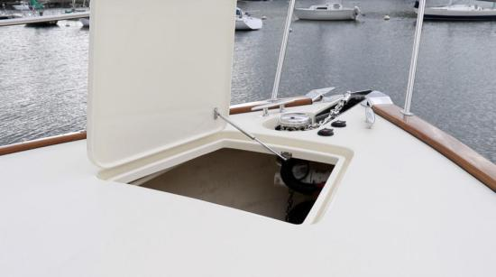 Palm Beach 55 forward deck hatch