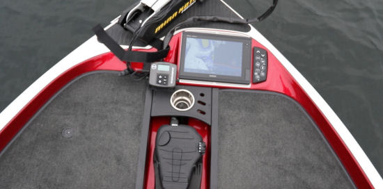 Ranger Boats Z520C fish finder