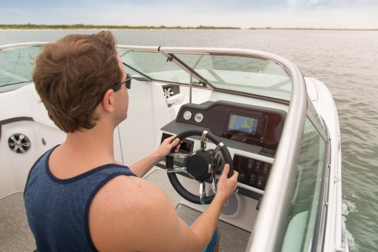 Regal 26 OBX helm features