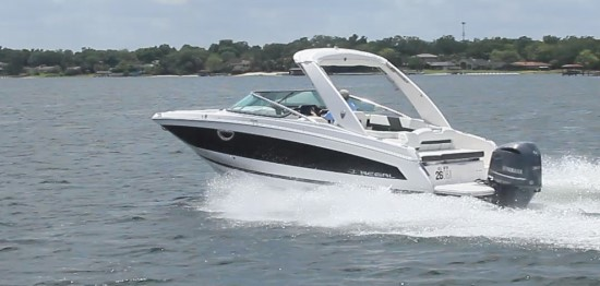 Regal 26 OBX stepped hull