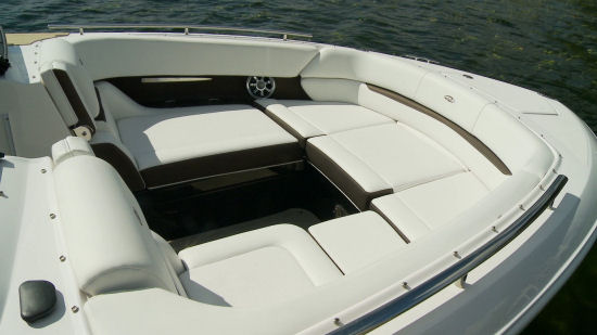 Regal 2800 bow seating