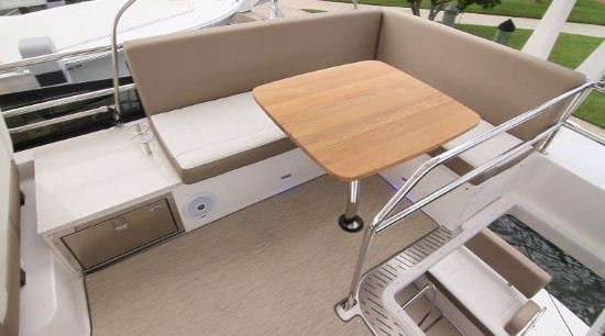 Regal 42 Fly seating and drawer