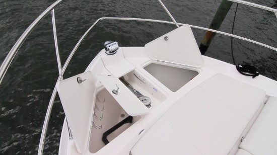 Regal 42 Fly bow features