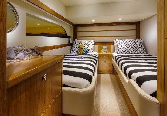 Riviera 52 Enclosed Flybridge guest stateroom