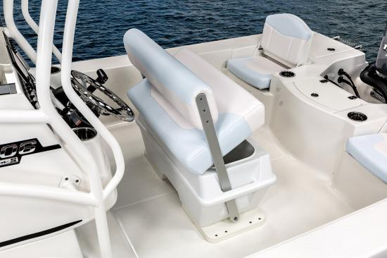Robalo 206 Cayman S helm bench