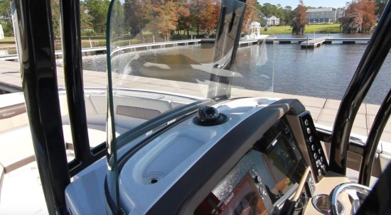 Robalo R242EX tempered safety glass