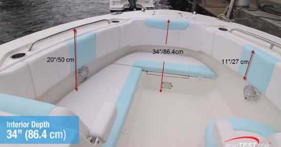 Robalo R317 bow seating