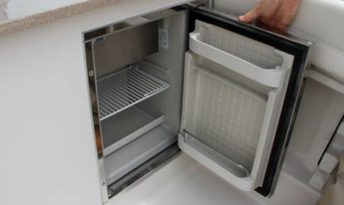 Sailfish 275DC refrigerator