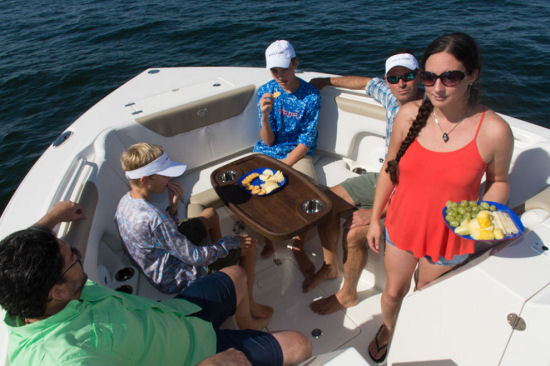 Sailfish 325 DC bow seating