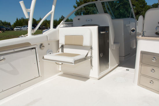 Sailfish 325 DC companion seat