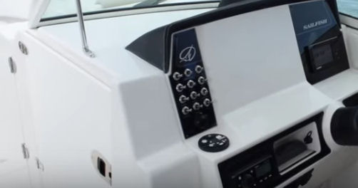Sailfish 325 DC dash