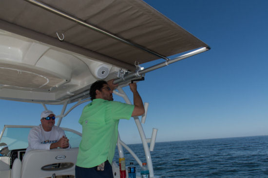 Sailfish 325 DC sun shade