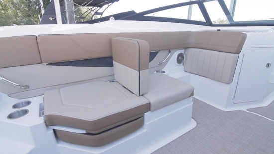 Sea Ray 21 SPX aft seat