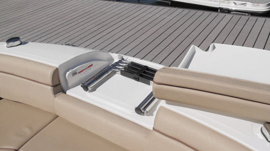 Sea Ray 270 Sundeck bow ladder