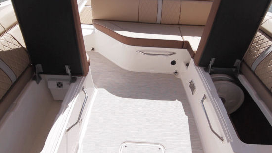 Sea Ray 270 Sundeck cockpit storage