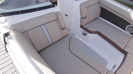 Sea Ray 270 Sundeck stitching