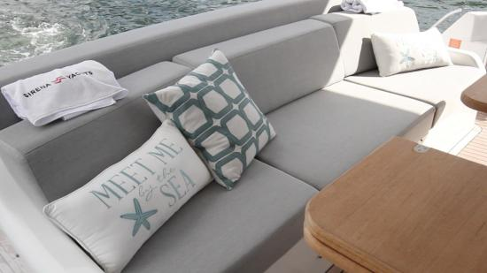 Sirena 64 bench seat