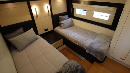 Sirena 64 twin beds