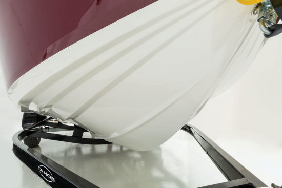 Tahoe 450 TS Outboard hull bottom