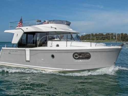 Beneteau Swift Trawler 30 running